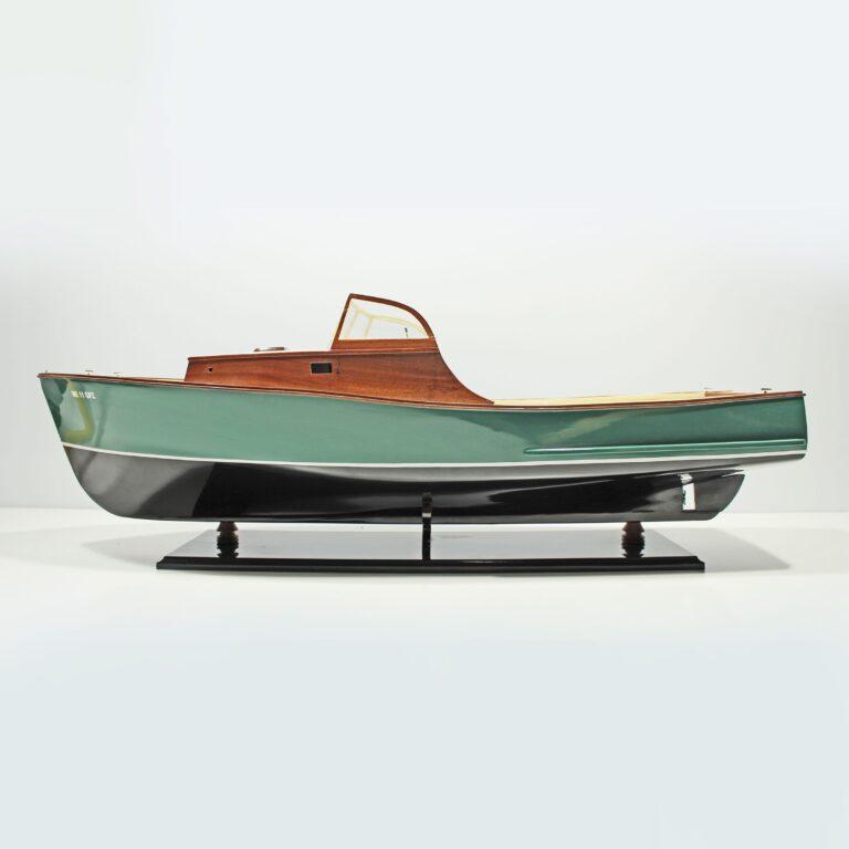 Handgefertigtes Schiffsmodell aus Holz der Easther 2