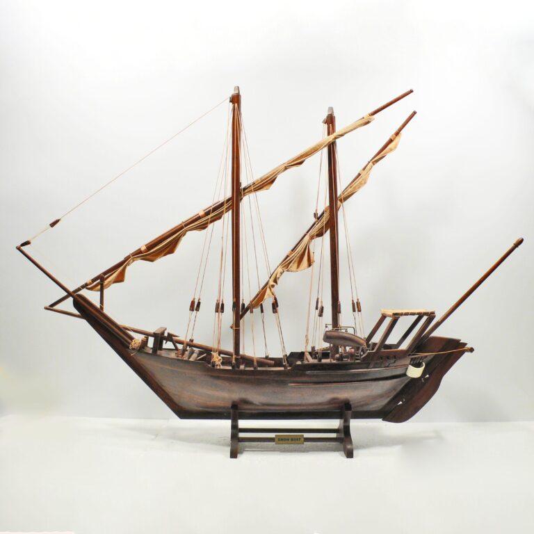 Handgefertigtes Schiffsmodell aus Holz der Dhow