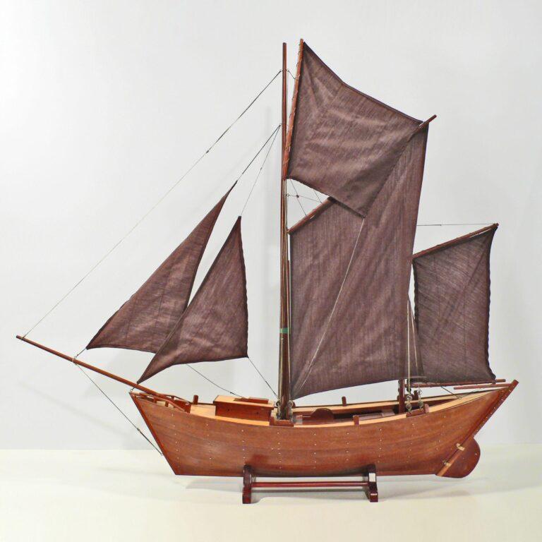 Håndlavet sejlskibsmodel af Maria