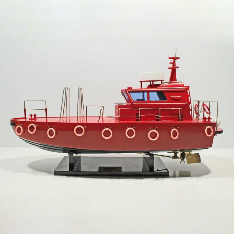 Håndlavet sejlskibsmodel af Pilot