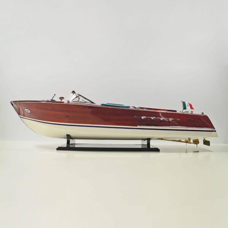 Super Riva Schiffsmodell