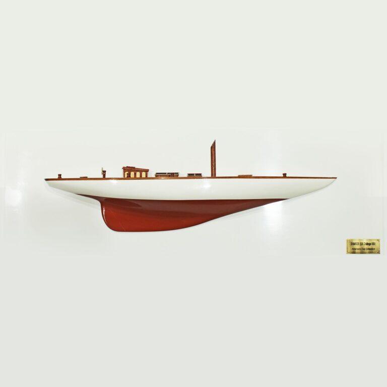 Handgefertigtes Schiffsmodell aus Holz der Shamrock (weiß, rot, Halbmodell)